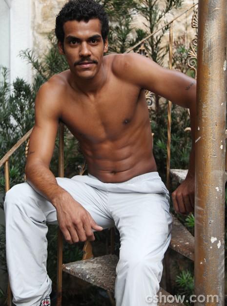 O ator fala sobre identificação com Jairo (Foto: Carol Caminha / TV Globo)