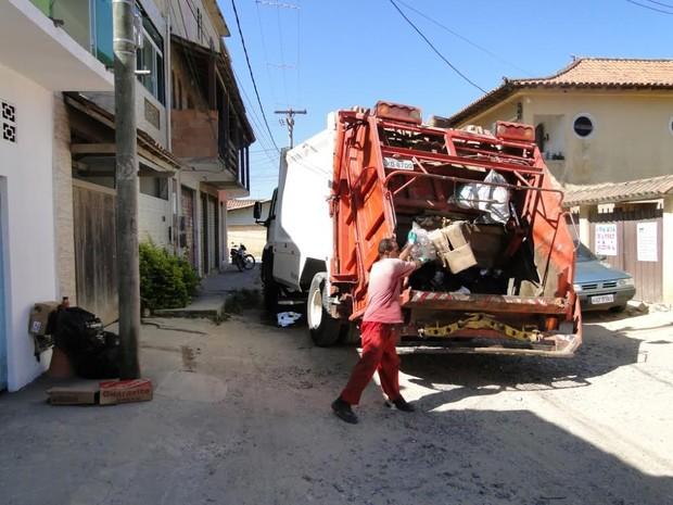 Coleta de lixo recebeu reforço em São Pedro da Aldeia (Foto: Divulgação / Prefeitura)
