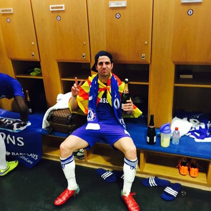 Fabregas festa no vestiário Chelsea Campeão