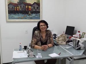 Além psicóloga, Zilma espera a publicação do primeiro romance. (Foto: Diana Vasconcelos / G1 CE)