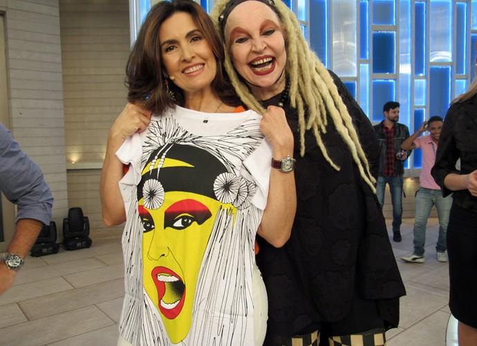 A apresentadora posa com Elke Maravilha (Foto: Priscilla Massena/Gshow)