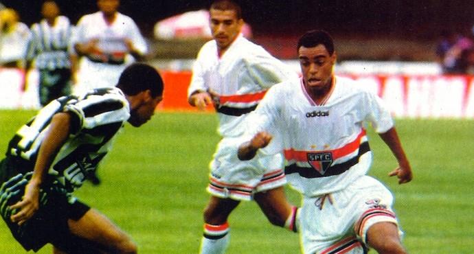 Denilson São Paulo 1998 (Foto: Arquivo histórico SPFC)