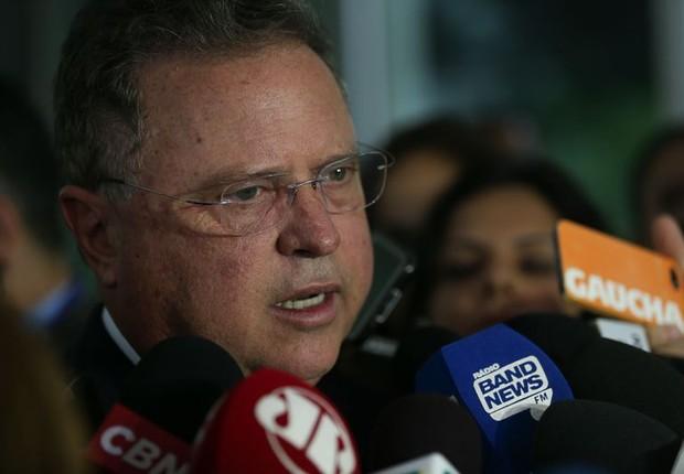 O ministro da Agricultura, Blairo Maggi, conversa com jornalistas sobre efeitos da Operação Carne Fraca (Foto: Fabio Rodrigues Pozzebom/Agência Brasil)