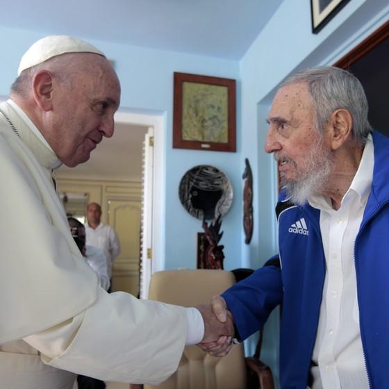 O Papa Francisco e Fidel Castro se encontraram em Havana (Foto: AP)