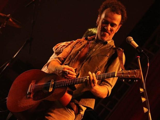 Show do cantor Nando Reis em São Carlos (Foto: Fúlvia Gibertoni/ folharegiao.com.br)