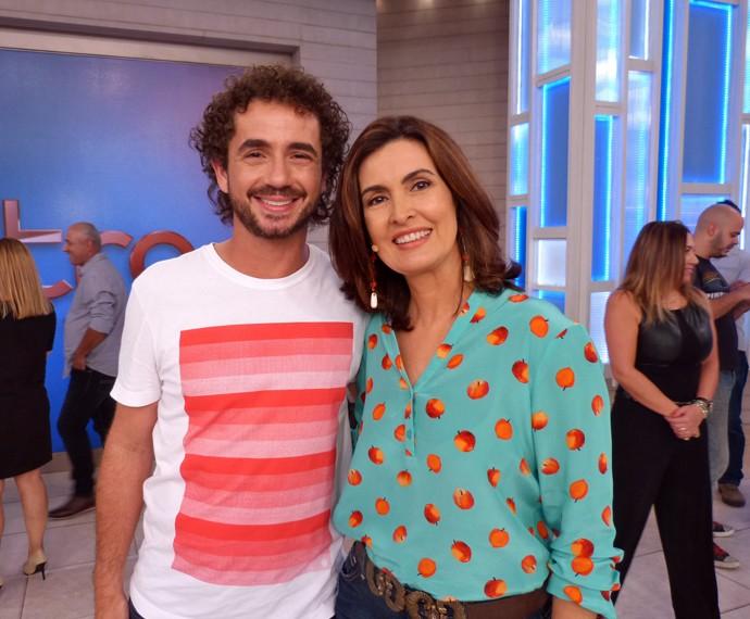 Felipe Andreoli com a apresentadora (Foto: Viviane Figueiredo Neto/Gshow)