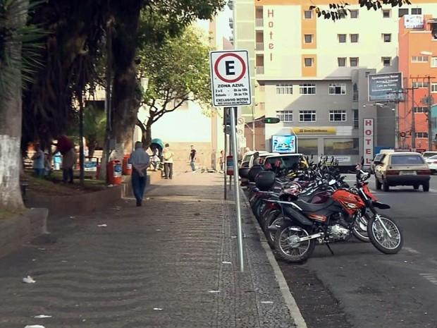 Cobrança na Zona Azul começa na próxima semana em Pouso Alegre (Foto: Reprodução EPTV)