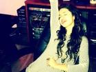 Selena Gomez faz música para superar término com Bieber, diz site