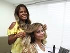 Viviane Araújo coloca megahair e clareia os cabelos