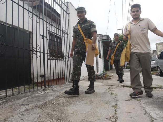Militares ajudam Estado no combate ao mosquito da dengue. Pará Belém (Foto: Tarso Sarraf/O Liberal)
