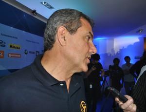 José Roberto Guimarães vôlei (Foto: João Gabriel Rodrigues/GLOBOESPORTE.COM)