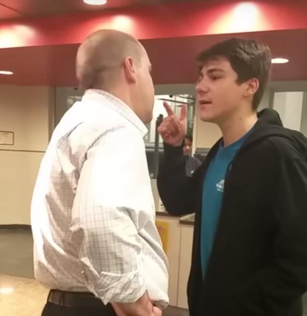 Lucas Gatti foi filmado xingando e empurrando supervisor de refeitório  (Foto: Reprodução/YouTube/Tracie Marrow)