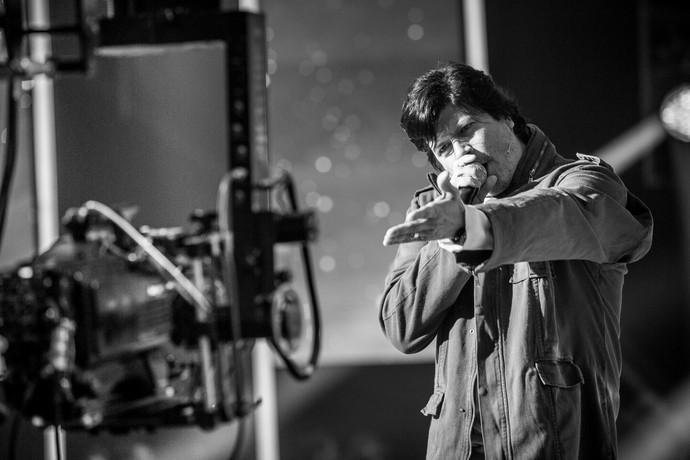 Paulo Ricardo jogou aquele olhar 43 enquanto cantava antes do programa começar (Foto: Isabella Pinheiro/Gshow)