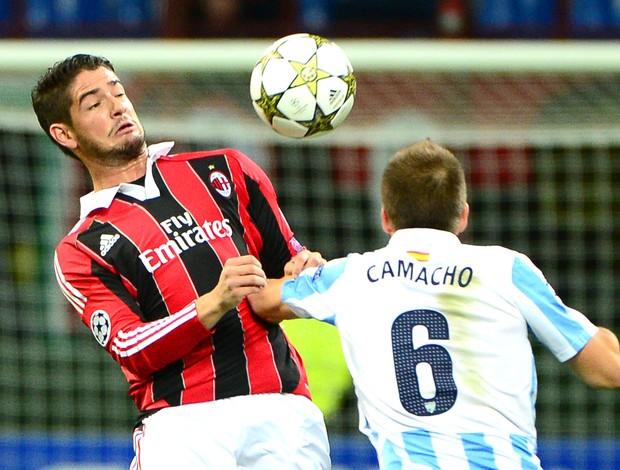 Pato e Camacho, Milan e Malaga  (Foto: Agência AFP)