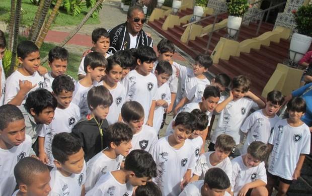 Jairzinho aniversário homenagem Nilton Santos Botafogo (Foto: André Casado / Globoesporte.com)