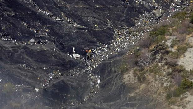 Segunda caixa-preta confirma ação deliberada do copiloto na queda do avião da Germanwings