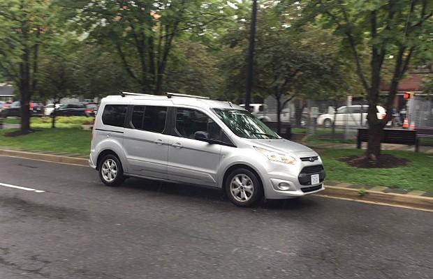 O que está por trás do Ford Transit sem motorista que circulava pelos Estados Unidos (Foto: Reprodução / Twitter)