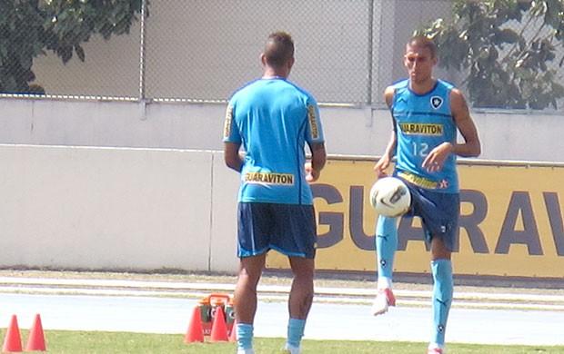Antônio Carlos e Rafael Marques no treino do Botafogo (Foto: Fred Huber / Globoesporte.com)