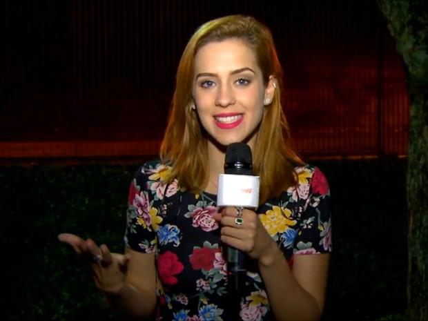 Sophia Abrahão monta looks após receber pedidos dos internautas (Foto: Gshow)