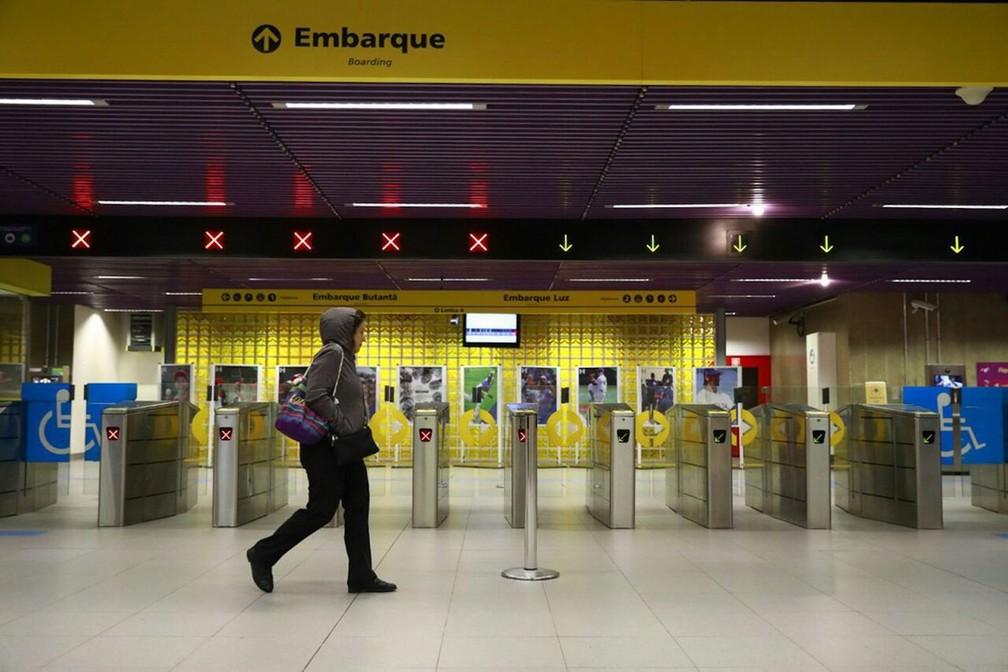 Estação Fradique Coutinho, da Linha 4-Amarela do Metrô de SP, vazia em dia de greve geral  (Foto: Marcelo Brandt/G1)