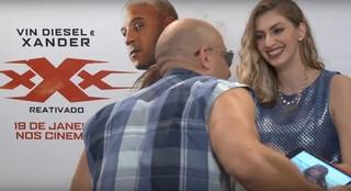 Vin Diesel constrange youtuber ao fazer mil elogios durante entrevista (Foto: Reprodução/YouTube)