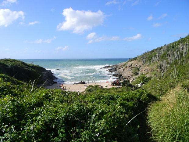 Praia de nudismo do Olho de Boi, em Búzios, RJ (Foto: Divulgação/Portal Brasil Naturista])