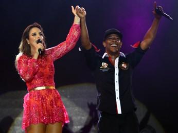 Ivete canta com Márcio Victor, do Psirico, no Axé (Foto: Maurício Vieira/G1)