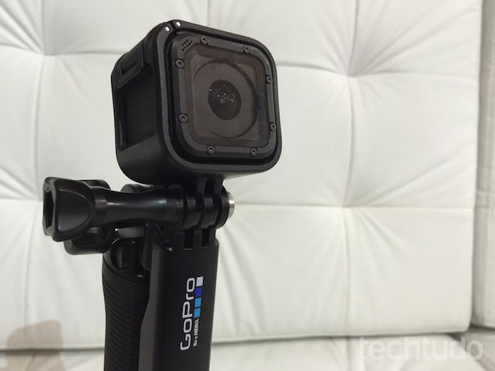 Go Pro Hero 4 Session é um dos modelos de câmera de ação (Foto: Victor Teixeira/TechTudo)