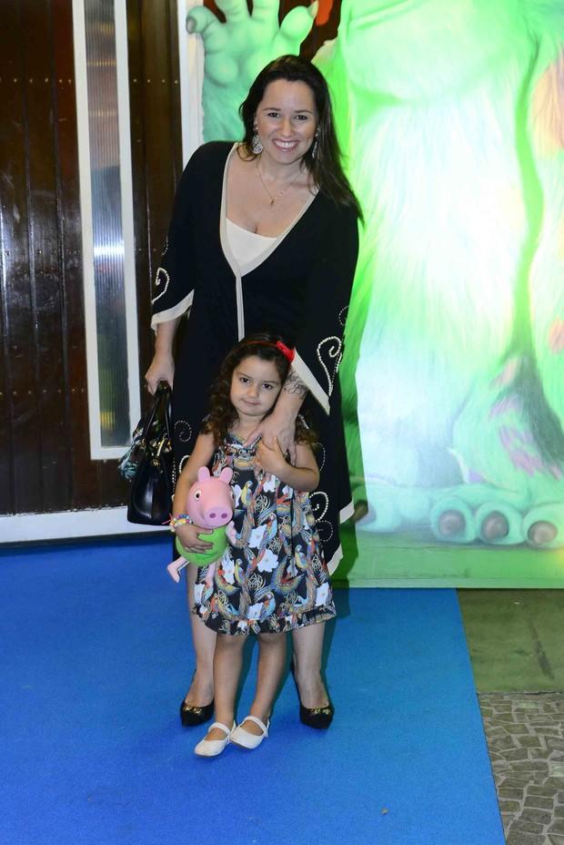 Mariana Belém com a filha (Foto:  Leo franco / AgNews)