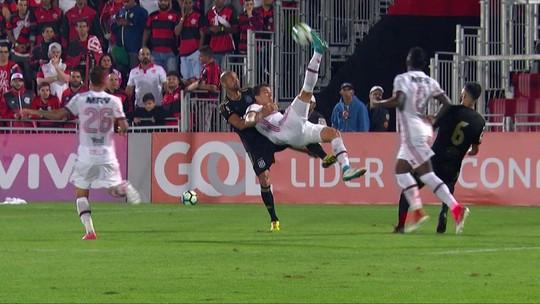 Absoluto, Guerrero volta após dois gols e presença combativa de Damião