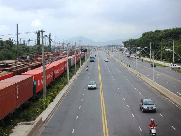 Linha férrea fica próxima ao bairro Conceiçãozinha (Foto: Divulgação/Prefeitura de Guarujá)