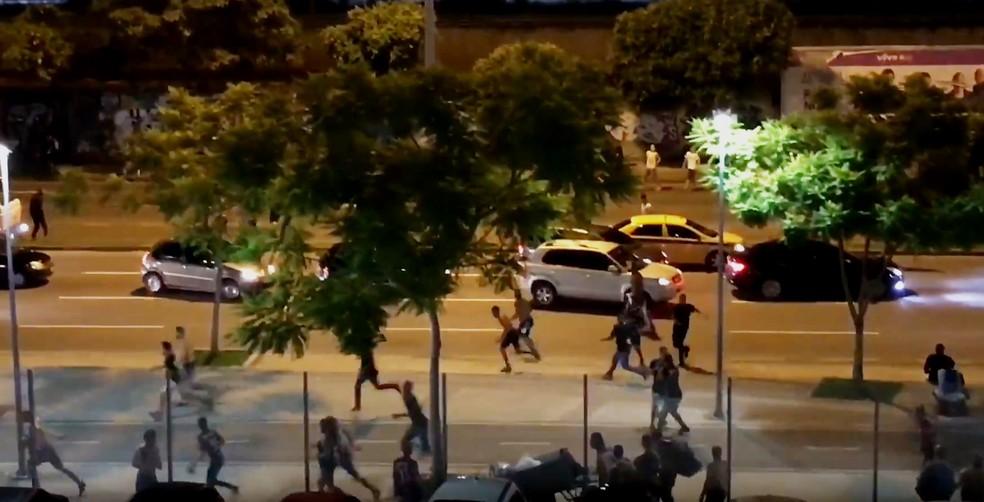 Setenta e um torcedores do Vasco foram detidos após o confronto (Foto: Reprodução Redes Sociais)