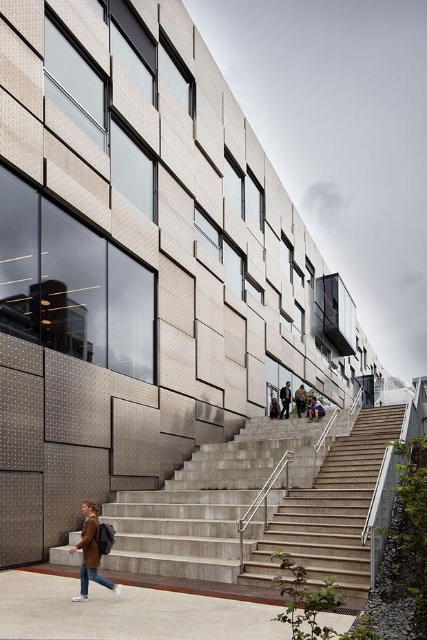 Edifício de Universidade norueguesa é quebra-cabeça oxidável (Foto: Divulgação)