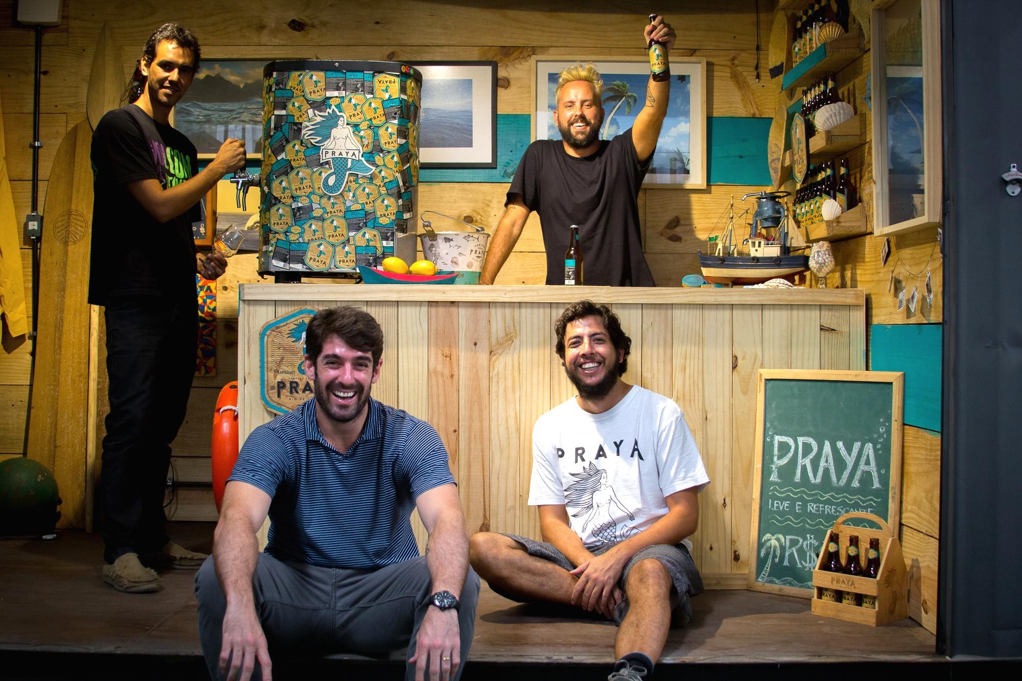 Os sócios Duda Gaspar, Marcos Sifu, Tunico Almeida e Zeh Pretim são os nomes por trás da Praya (Foto: Divulgação)