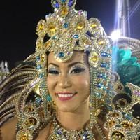 Japonesa aprendeu a sambar pelo YouTube (Marcelo Mora/G1)