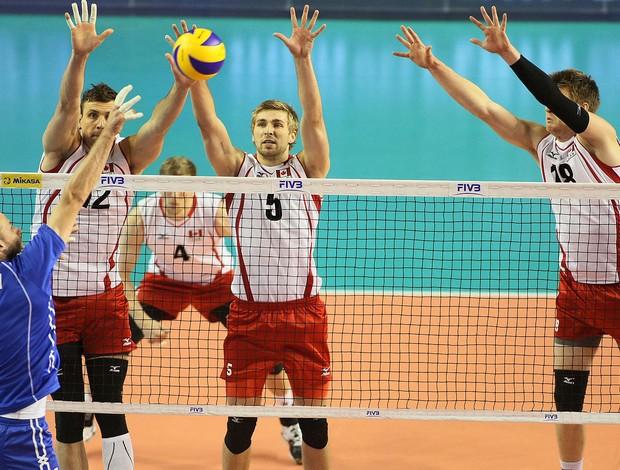Pavlov jogo Russia e Canadá vôlei (Foto: Divulgação / FIVB)