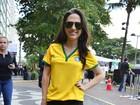 Tatá Werneck assiste à Seleção em Copacabana: 'Vai dar Brasil!'