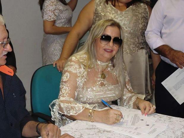 Dona Bill, mãe do cantor Wesley Safadão, é diplomada vice-prefeita de Aracoiaba após ter sido cassada e entrar com recurso (Foto: Arquivo pessoal)