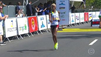 Confira a chegada dos vencedores da Meia Maratona Internacional do Rio de domingo