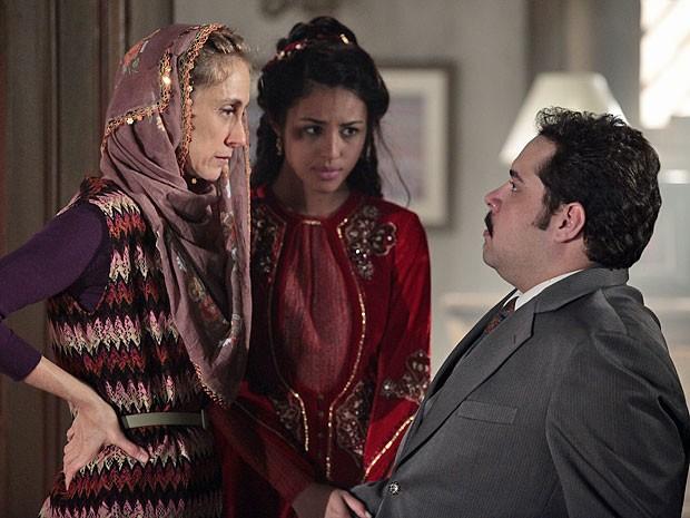Sarila demonstra todo o seu desgosto com o casamento de Tamar e Demir (Foto: Salve Jorge/TV Globo)