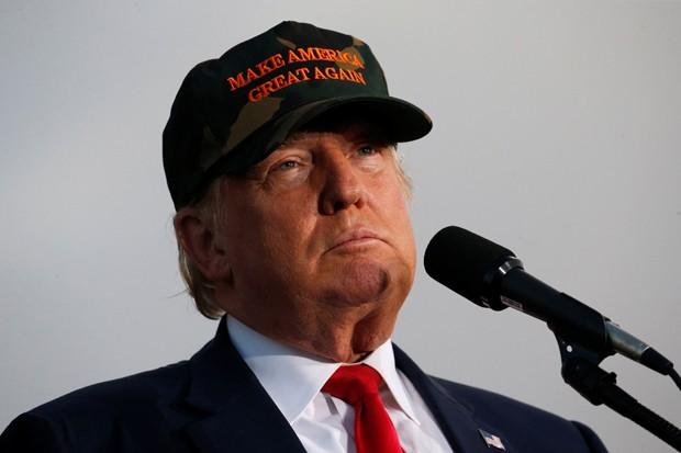 Trump durante campanha na terça-feira em Tallahassee, na Flórida (Foto: Jonathan Ernst/Reuters)