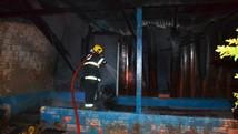 Mulher tem casa incendiada por e-marido (Extra de Rondônia/Reprodução)