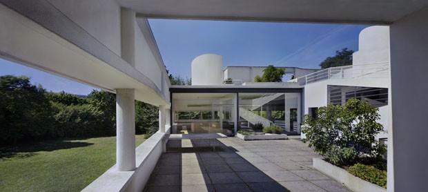 Obra de le corbusier revisitada em ny casa vogue mostras expos - Le corbusier tetto giardino ...