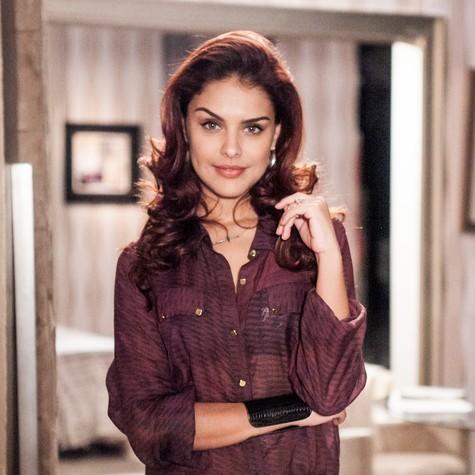 A atriz ficou ruiva para a novela Salve Jorge (Foto: Matheus Cabral/ TV Globo)