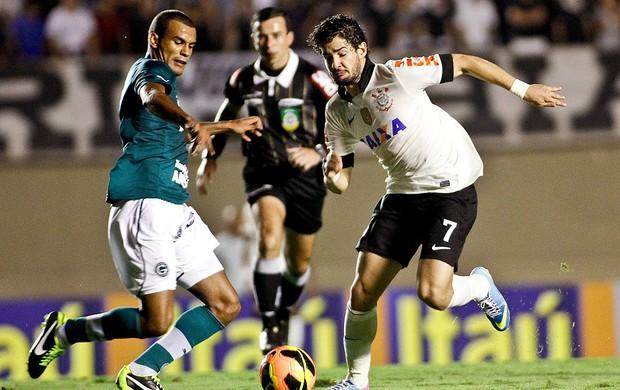 Pato jogo Goiás e Corinthians (Foto: Rodrigo Coca / Ag. Estado)