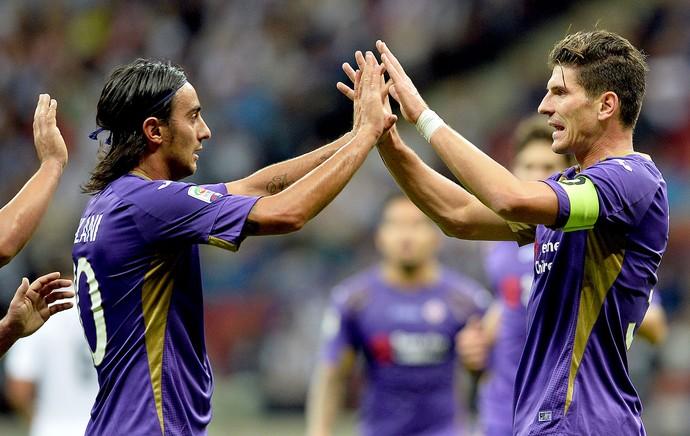 Mario Gomez comemoração Fiorentina contra Real Madrid  (Foto: AFP)