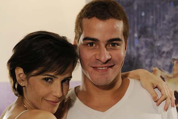 Deborah Secco e Thiago Martins gravam juntos 'Louco' (Foto: TV Globo/ Louco por Elas)