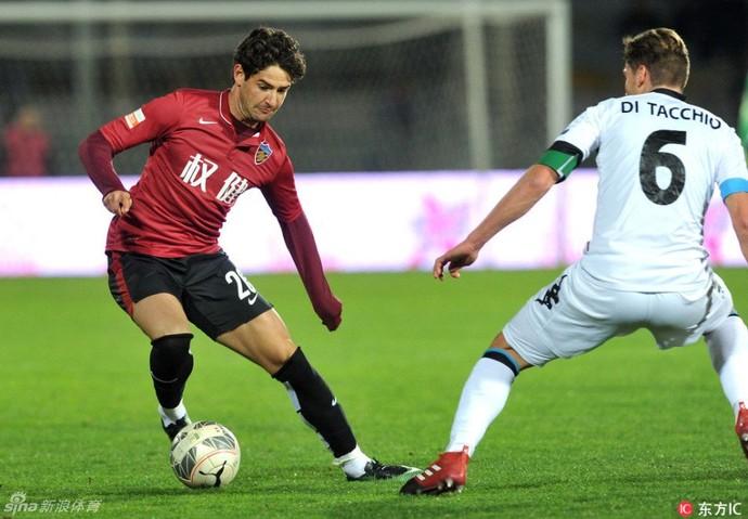 Alexandre Pato fez sua estreia contra o Pisa (Foto: Reprodução/ Sina Sports)