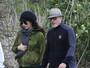 Amal Alamuddin passeia com George Clooney e mostra barriga da gravidez