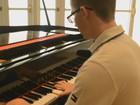 Multi-instrumentista de 17 anos é aprovado em 10 cursos de medicina